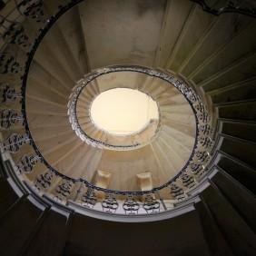 Central Hall - East elliptical stair